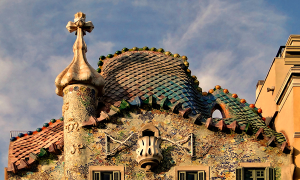 Roof of Casa Batllo from Antoni Gaudi must see in Barcelona